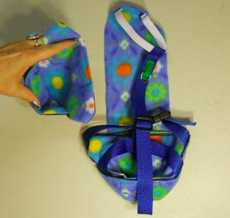 House Goose Diaper Holder with Leash Ring Rear View