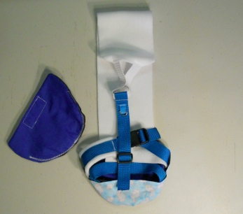 Blue Bunny Goose Diaper Holder Harness with leash ring 2